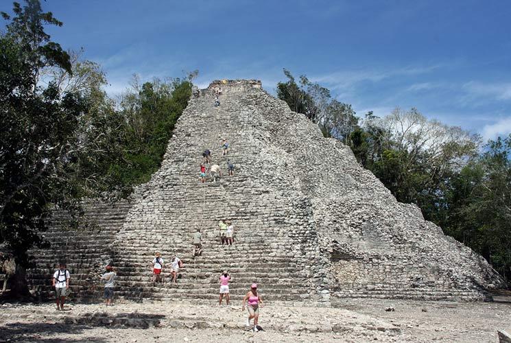 piramide-coba