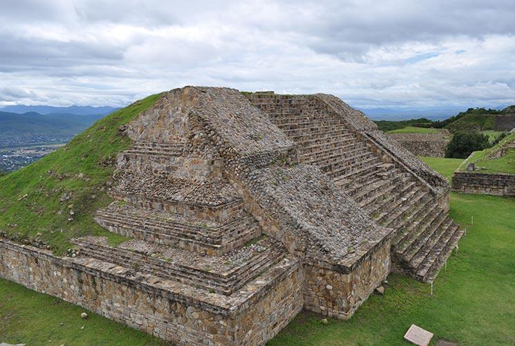 piramide-monte-alban